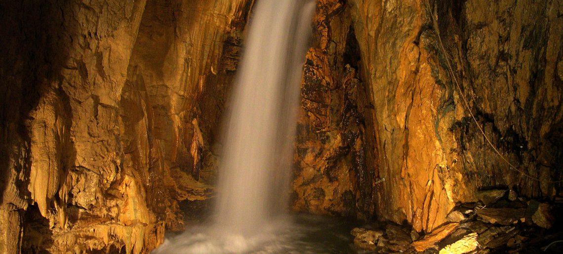 Grotta di Bossea